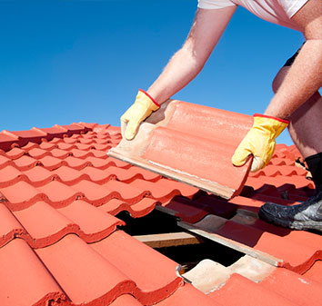 installing a roof tile