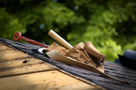 Roof Maintenance Checklist: How to Keep Your Roof Well-Maintained